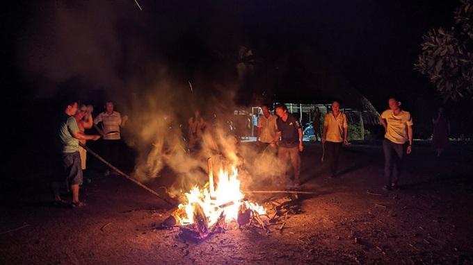 Giao lưu lửa trại tại KDL Cánh Đồng Bất Tận