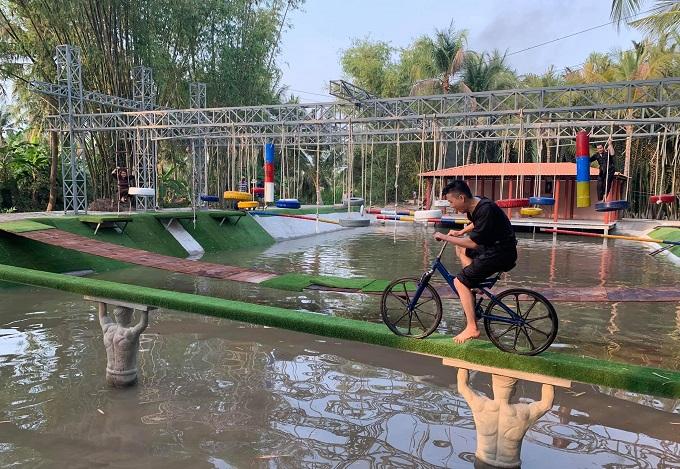 Khu vui chơi dưới nước tại Điền Lan Thôn Trang