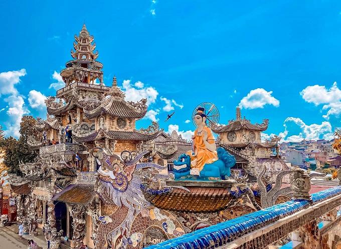 Viếng Chùa Linh Phước - Chùa Ve Chai