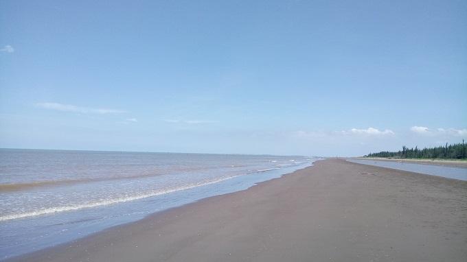 Biển Cồn Bửng vẫn còn giữ nguyên nét hoang sơ tự nhiên