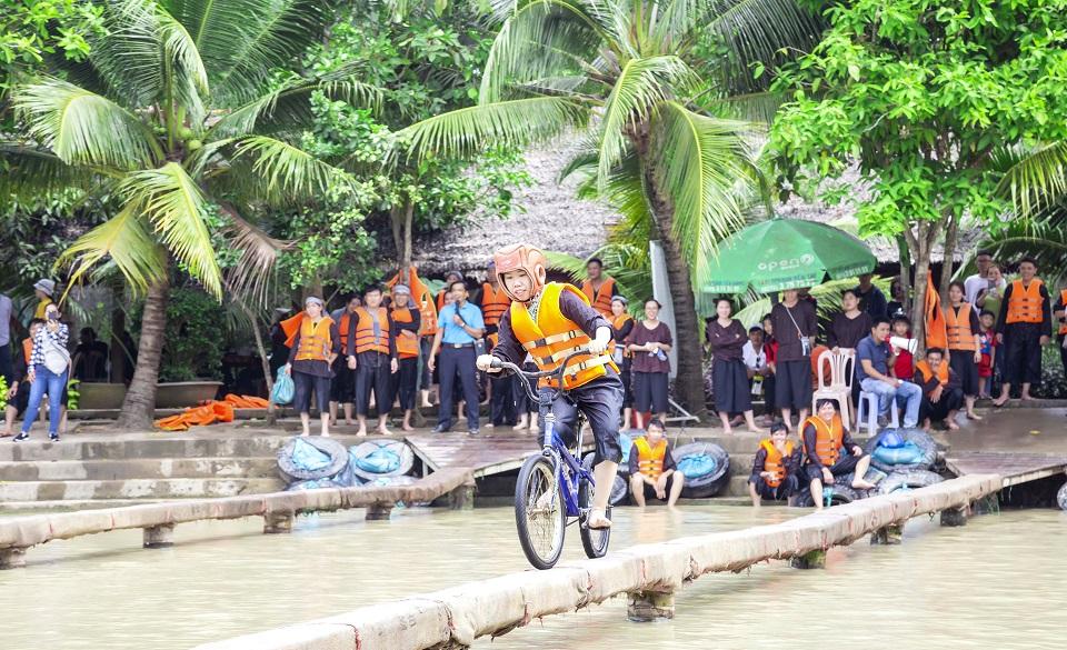 Chương trình trọn gói Lan Vương - Xe đưa rước