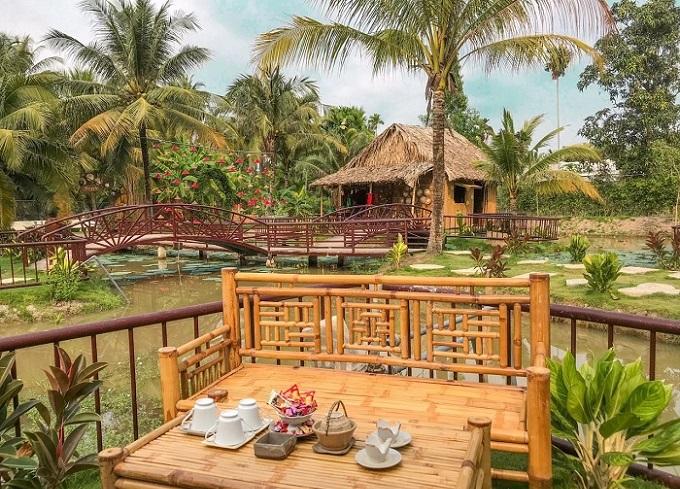 Khu xóm dừa nước tại Khu du lịch Làng Xanh Bến Tre