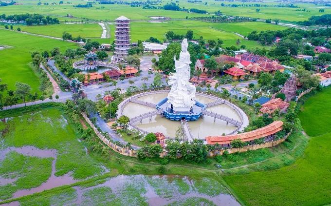 Chùa Gò Kén nằm ở địa phấn ấp Long Trung, xã Long Thành Trung, huyện Hòa Thành, tỉnh Tây Ninh