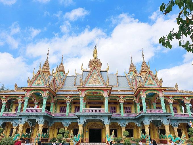 Chùa Som Rong – Ngôi chùa Khmer tuyệt đẹp ở Sóc Trăng