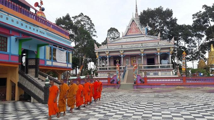 Chùa Sro lôn (chùa Chén Kiểu) ở Sóc Trăng