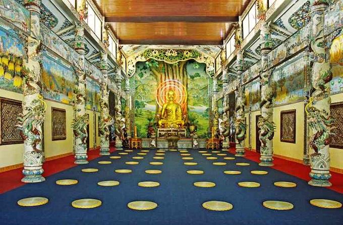 Chánh Điện của chùa linh Phước