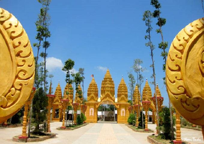 Chiêm ngưỡng vẻ nguy nga của chùa Vàm Ray - Ngôi chùa Khmer lớn nhất xứ Việt
