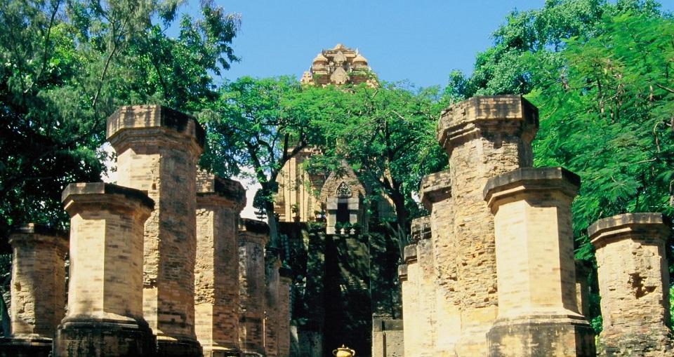Khám phá tháp Bà Ponagar ở Nha Trang