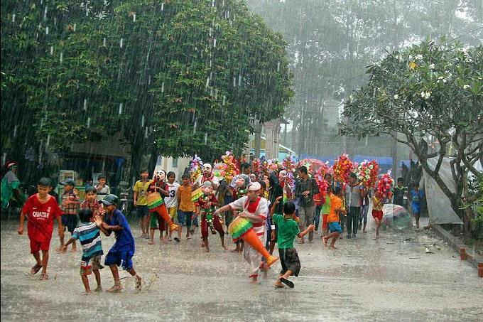 Lễ dâng bông (hay còn gọi Lễ Kathina, lễ Dâng Y Cà Sa)
