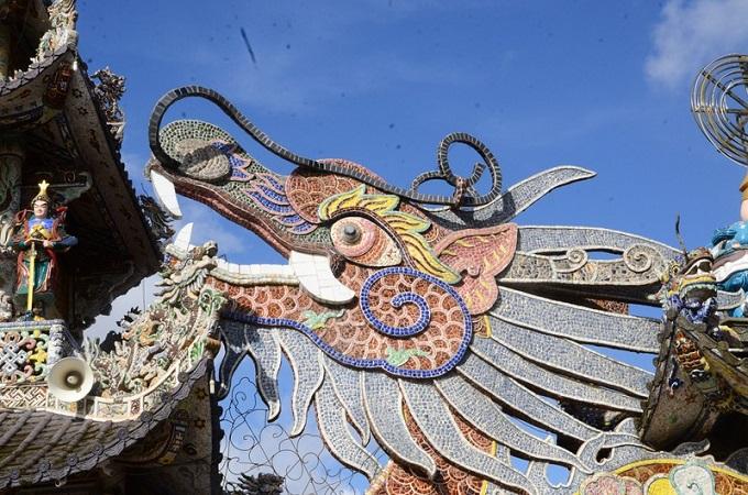 Chùa Ve Chai - Ngôi chùa tạo tác bằng miểng sành nhiều nhất