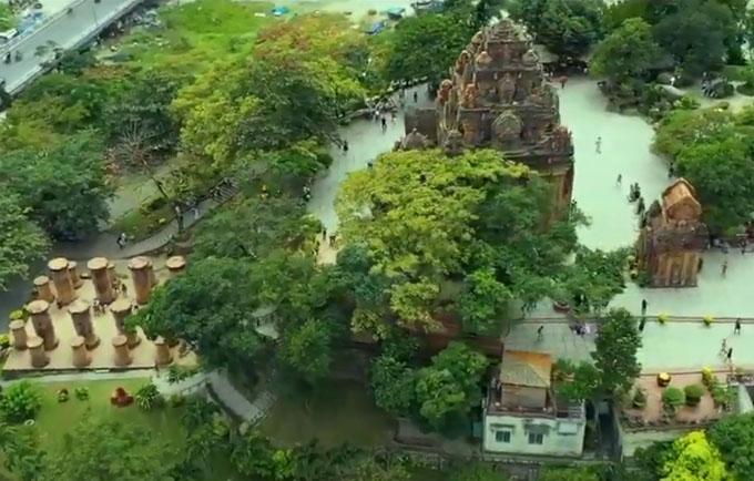 Tháp bà Ponagar nhìn từ trên cao