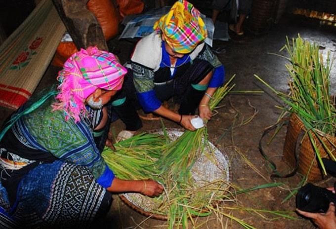 Lễ mừng cơm mới của người Mông Mù Cang Chải