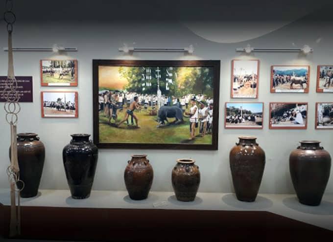 Hình ảnh và hiện vật bên trong Bảo tàng Lâm Đồng