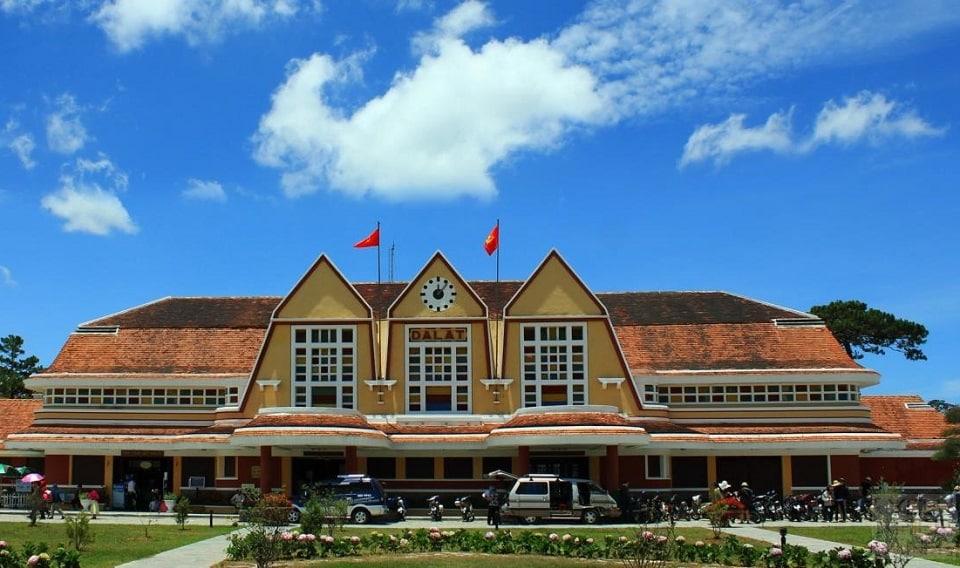 Khám phá Ga Đà Lạt - nhà ga xe lửa đẹp nhất Đông Dương