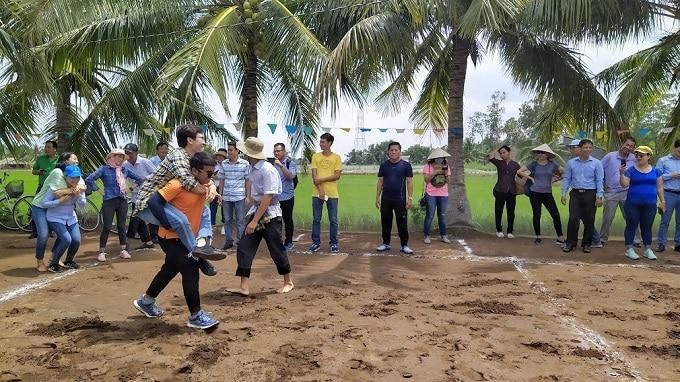 Trải nghiệm trò chơi dân gian truyền thống tại Cồn Chim