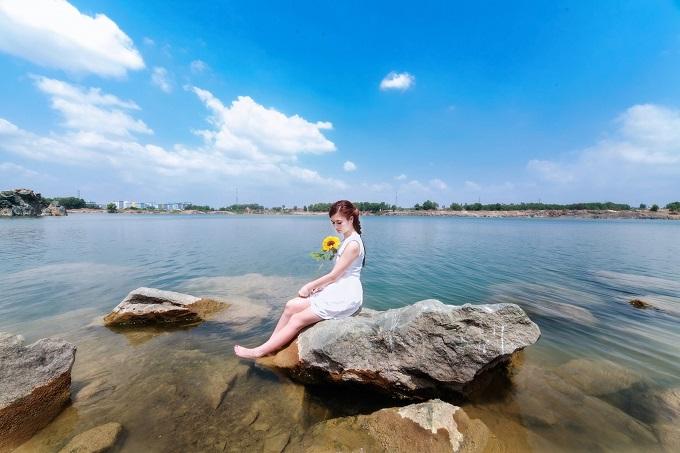 Hồ Đá ở làng Đại Học Thủ Đức