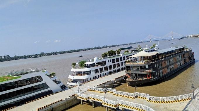 Khu vực neo đậu du thuyền đưa rước khách quốc tế đi Campuchia
