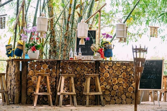 Quầy thức uống tại vườn tre Bamboo Garden