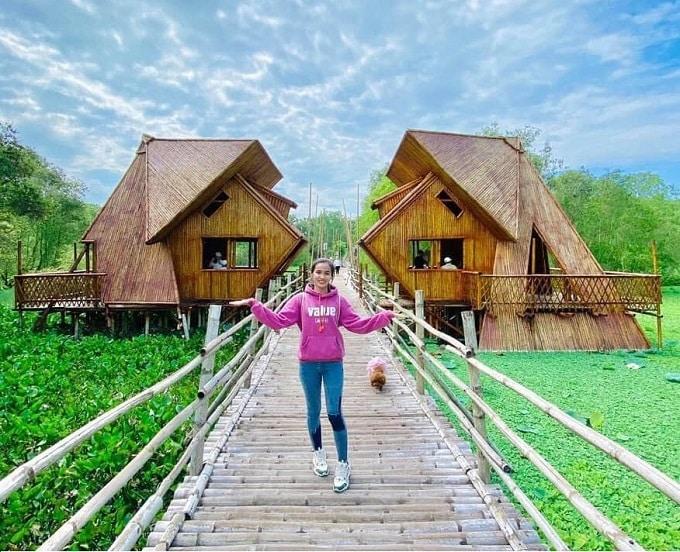Check-in Cầu tre vạn bước xuyên rừng tràm Trà Sư