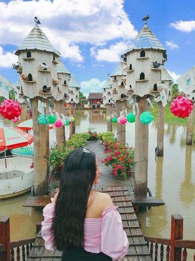 Khung cảnh nên thơ đẹp như tranh vẽ tại khu du lịch Rừng Tràm Trà Sư - An Giang