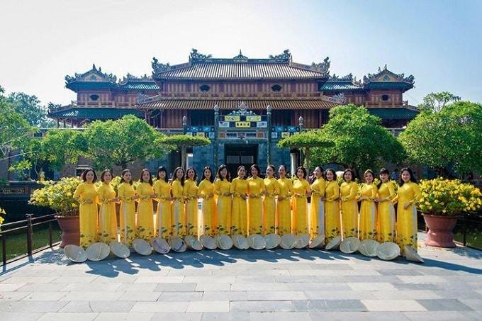 Huế - Kinh đô áo dài của Việt Nam