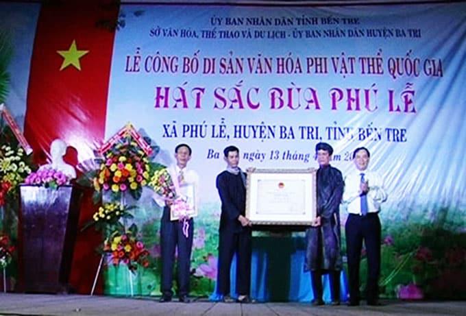 Lễ công bố di sản văn hóa phi vật thể cấp quốc gia Hát Sắc Bùa Phú Lễ