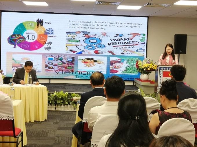 PGS.TS Phan Thị Hồng Xuân phát biểu tại Tọa đàm. - Ảnh: LT
