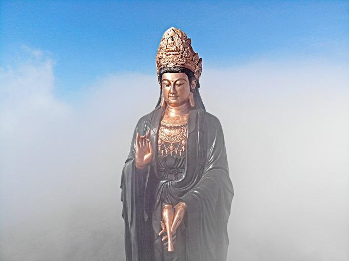Phật Bà Tây Bổ Đà Sơn tại núi Bà Đen được thiết kế dựa trên nguyên mẫu của tượng Phật thời Lê