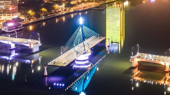 Cầu Sông Hàn- niềm tự hào của người dân Đà Nẵng