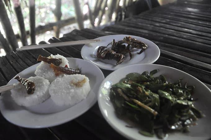 Cơm vắt cùng món ba khía muối ăn kèm gỏi lá kìm Rừng Sác-đây là những bữa cơm của chiến sĩ đặc công Rừng Sác năm xưa