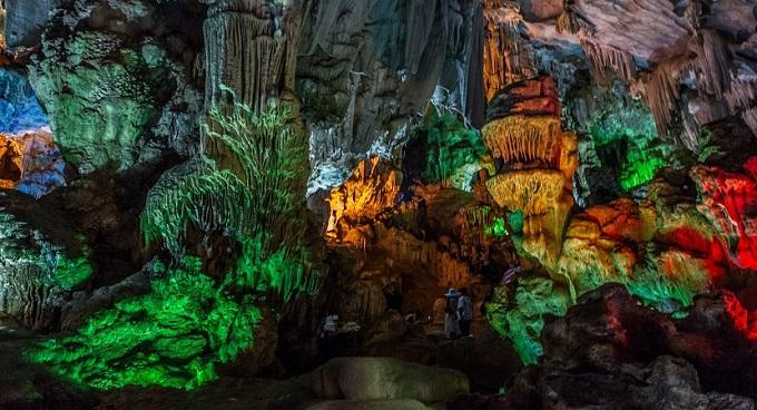 Hang Đầu Gỗ - hang động hoang sơ nhất Hạ Long