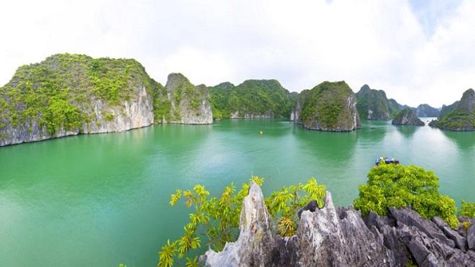Hồ Ba Hầm - Vịnh Hạ Long