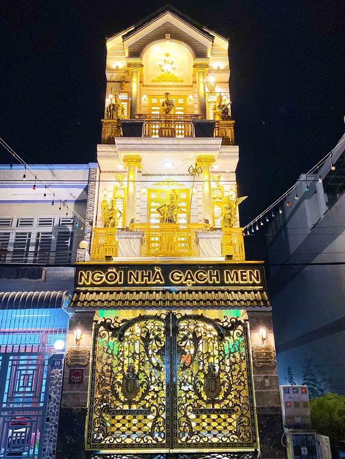 Ngôi nhà dát vàng hay còn gọi là ngôi nhà gạch men tọa lạc tại thành phố Cần Thơ