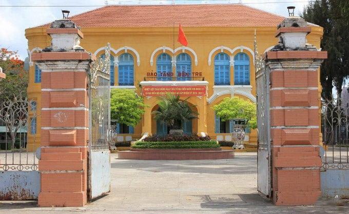 Bảo tàng Bến Tre được công nhận là Di tích Lịch sử quốc gia ngày 28.8.2015 bởi Bộ Văn hóa – Thể thao và Du lịch