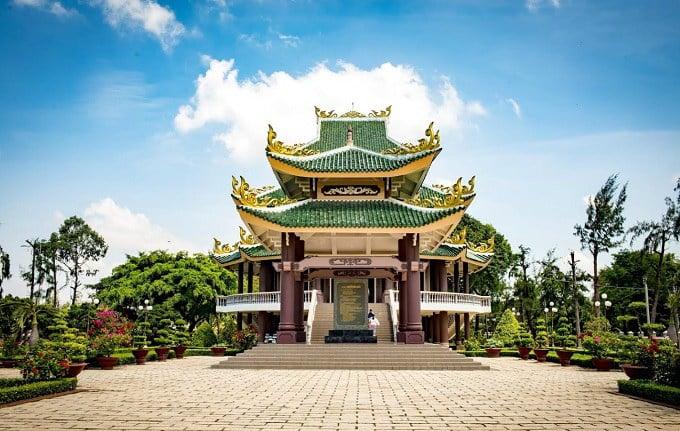 Di tích Mộ và Khu tưởng niệm Nguyễn Đình Chiểu - 1 trong 2 di tích quốc gia đặc biệt tại Bến Tre