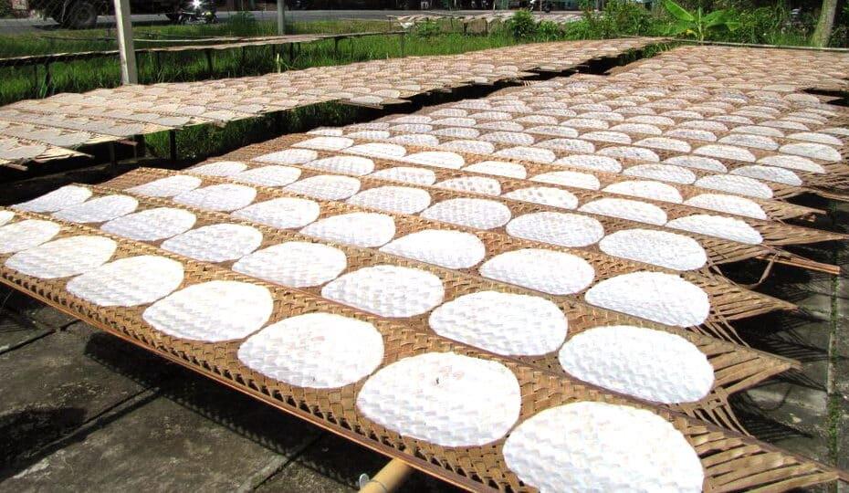 """Nghề truyền thống """"Bánh tráng Mỹ Lồng"""" và """"Bánh phồng Sơn Đốc"""" - Di sản văn hóa phi vật thể Quốc gia"""