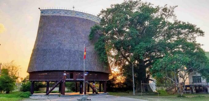 Nhà rông Kon Klor - Kon Tum lớn nhất Tây Nguyên