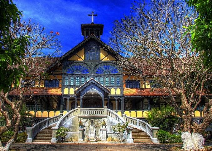 Tòa Giám Mục - Bishop's House of Kontum