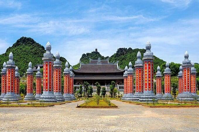 Vườn kinh khổng lồ được xây dựng dự kiến với 1.000 cột đá