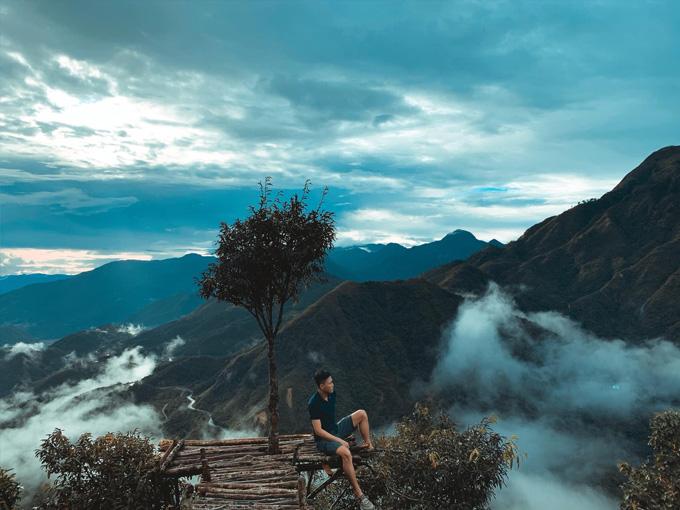 Check-in trên đỉnh Đèo Ô Quy Hồ ở độ cao khoảng 2.000 m so mực nước biển