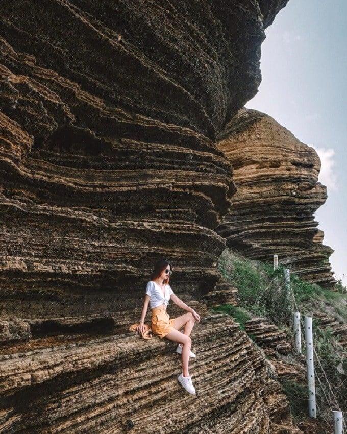Đỉnh Cao Cát có hình thù tựa vách núi ở công viên địa chất Grand Canyon (Mỹ), là điểm đến hút giới trẻ trên đảo Phú Quý