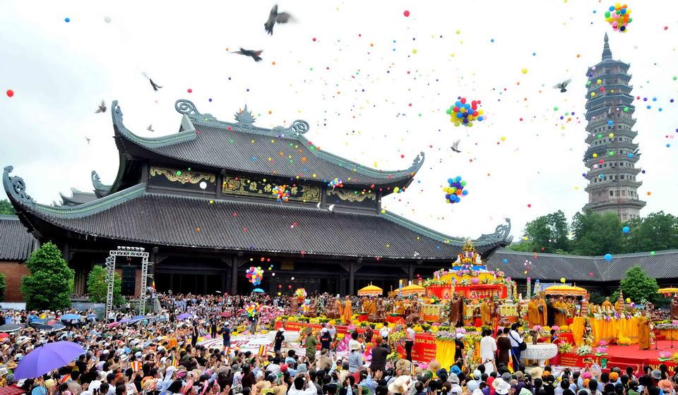 Lễ hội chùa Bái Đính ở vùng đất cố đô Hoa Lư Ninh Bình