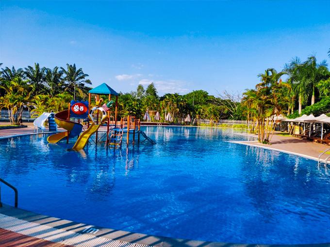 Hồ bơi Mimosa tại Thác Giang Điền