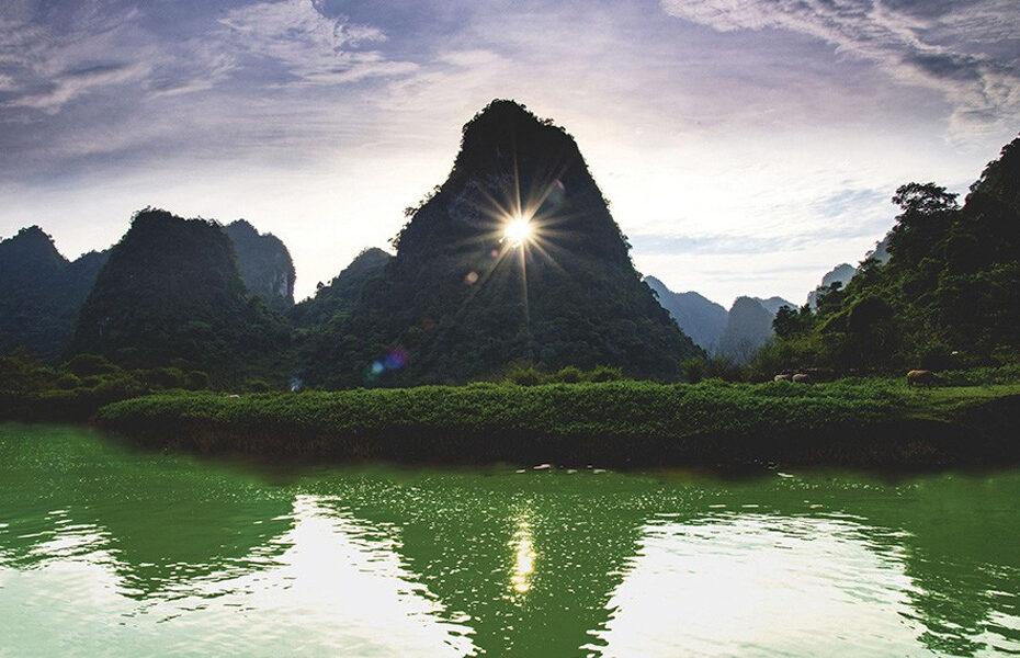 Núi Mắt Thần ở Cao Bằng - Ngọn núi 'Độc nhất Vô nhị' ở Việt Nam